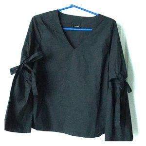 Who What Wear Tops - Black vneck open elbow sleeved blouse